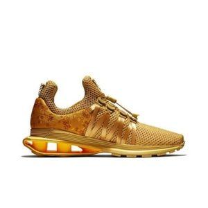 NWOT Nike Wms Shox Gravity Running Shoes Gold Sz 8